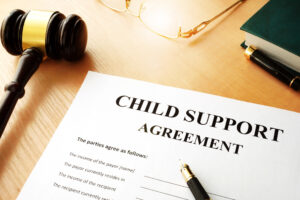child support agreement and judge's gavel